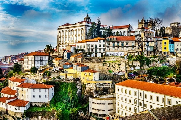 Attractions and Places to Visit in Porto